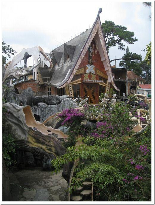 Dalat Crazy House 47