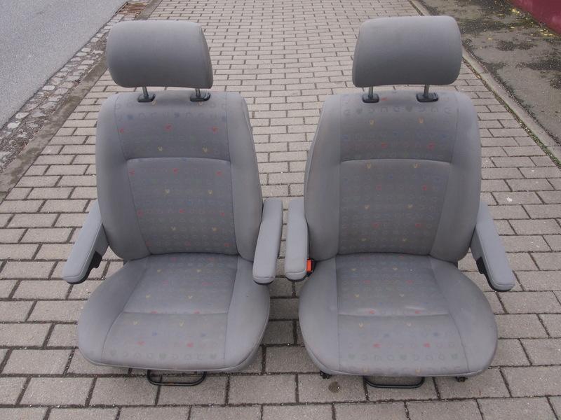 vw t4 multivan fahrersitz beifahrersitz mit armlehne. Black Bedroom Furniture Sets. Home Design Ideas