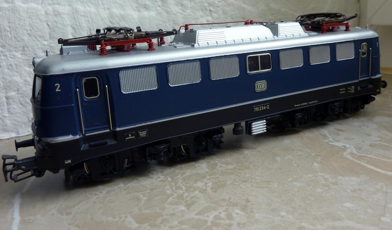3039 BR E10 P1110023cdsq2