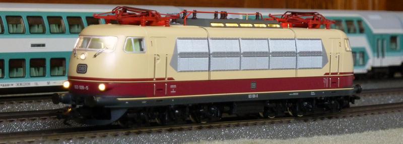 Trix 22779: 103 109-5 in Sonderlackierung P1140106rqpev