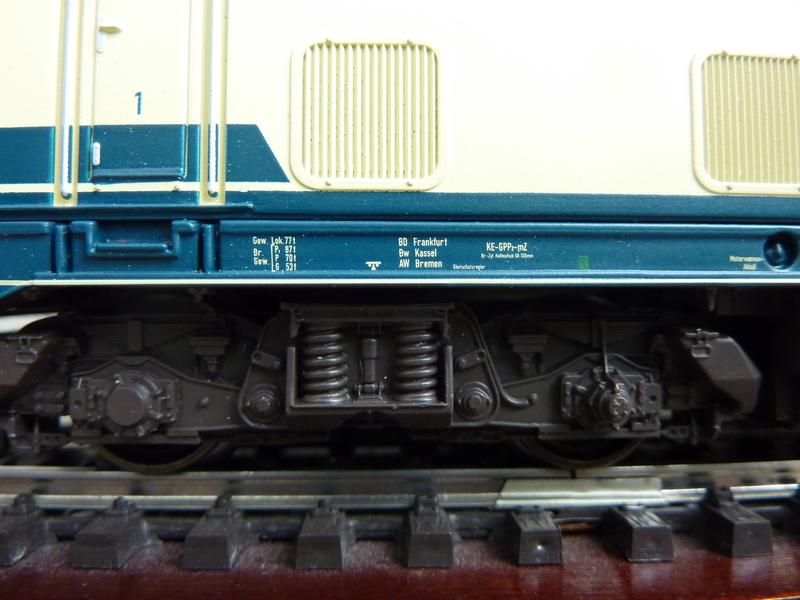 Trix 21526 - 216 224-6 auf AC umgerüstet P1150790m4sof