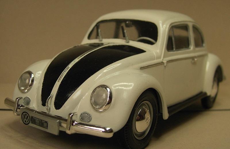 Volkswagen Käfer 1956 (Ovali) 1:24 von Gunze Sangyo aus 1989 Pict4359qeuab