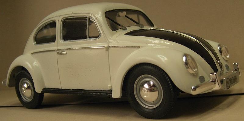Volkswagen Käfer 1956 (Ovali) 1:24 von Gunze Sangyo aus 1989 Pict43605purz
