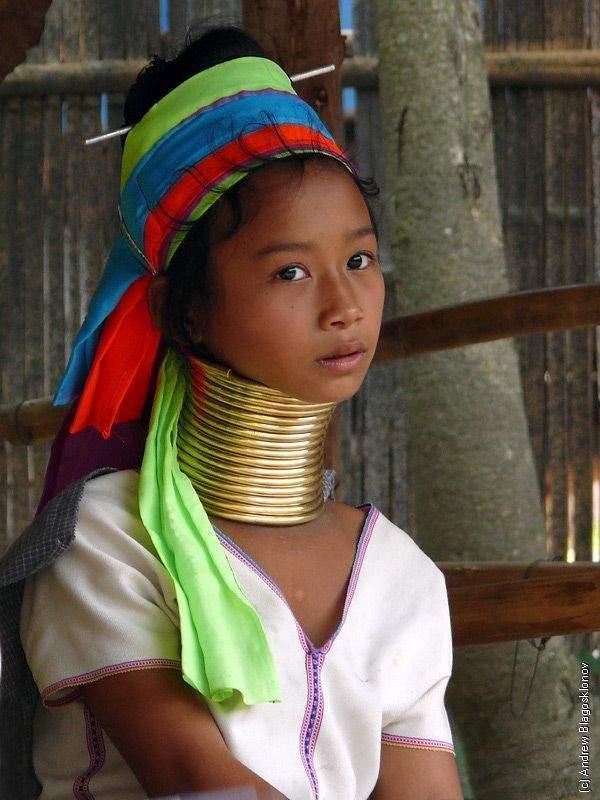 Długie szyje kobiet z plemienia Padaung 3