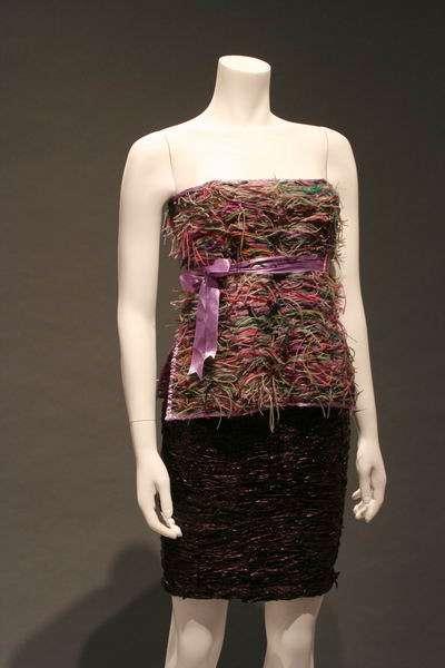Pokaz sukni z prezerwatyw 8