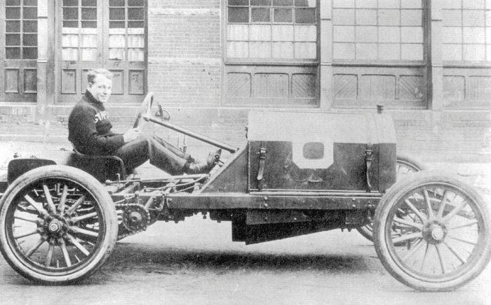 Pierwsze wyścigi samochodowe 85