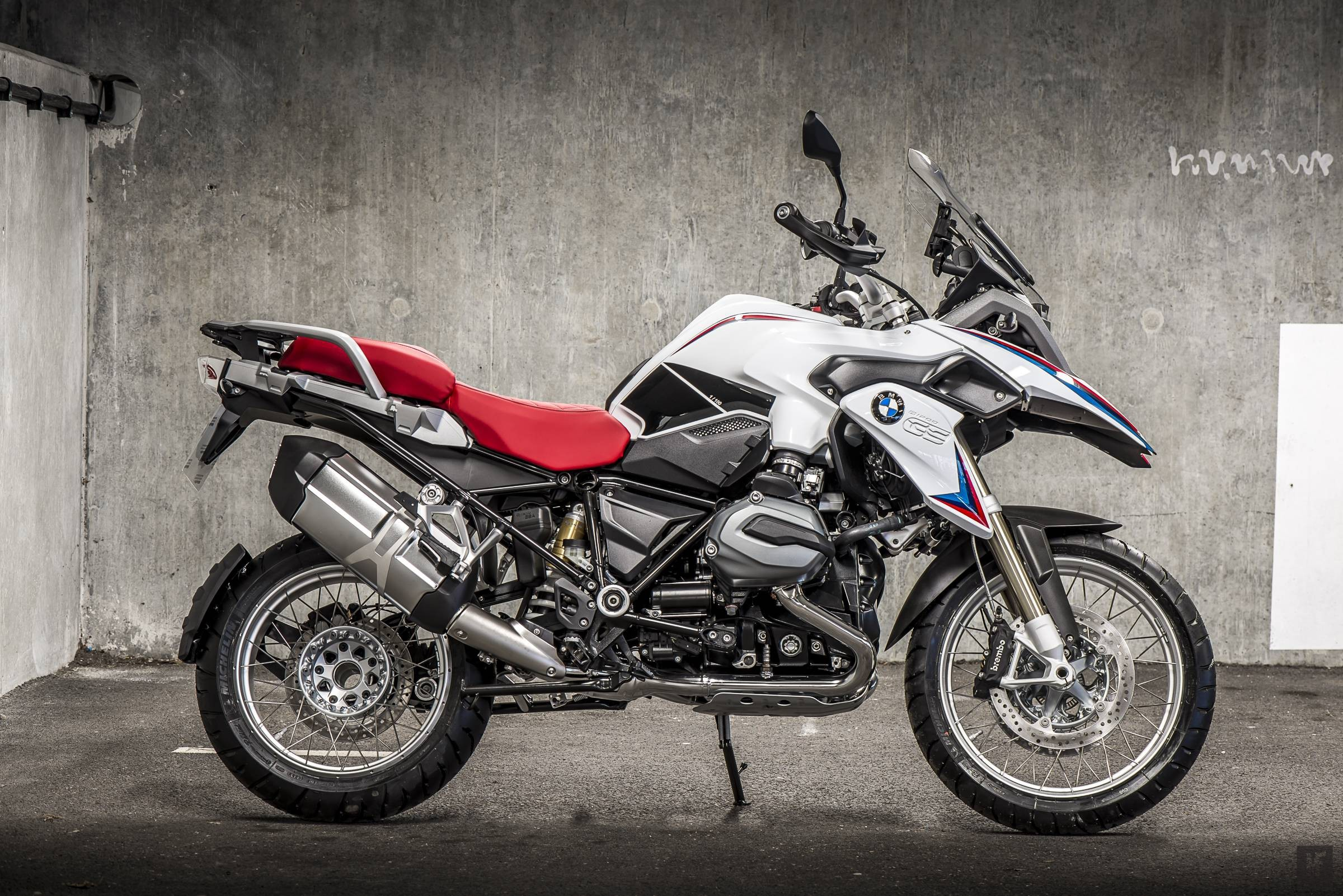 Bmw r1200gs iconic bmw for Gs decorating