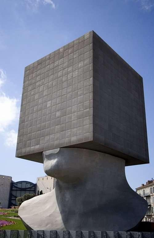 Dziwne pomniki 14