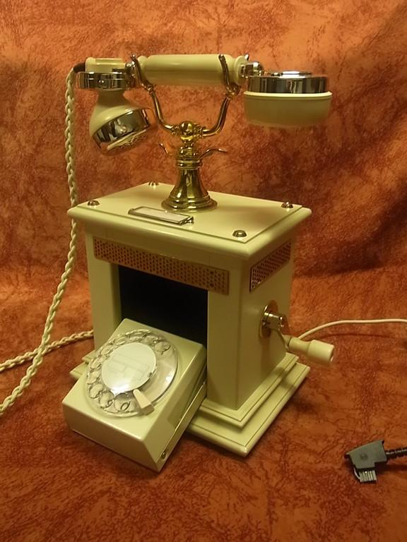 seltenes altes telefon potsdam alt wei telephone. Black Bedroom Furniture Sets. Home Design Ideas