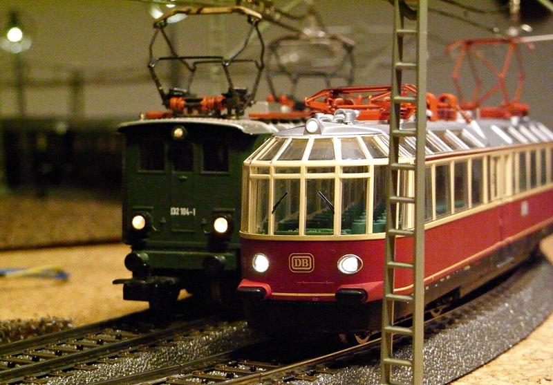 """Triebwagen BR 491 DB """"Gläserner Zug"""" (MÄRKLIN Art.Nr.37580) Rimg02452.845uei"""