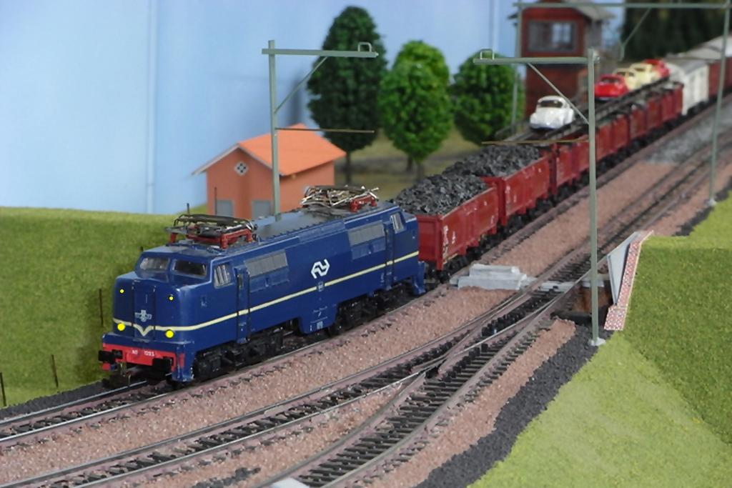 E-Lok Serie 1200 der Nederlandse Spoorwegen /NS/ (MÄRKLIN Art.Nr.3051) Rimg02554rlb.10gnsr9