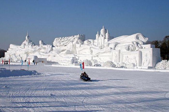 Rzeźby ze śniegu 12