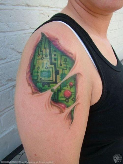 Cyborgowe tatuaże 1