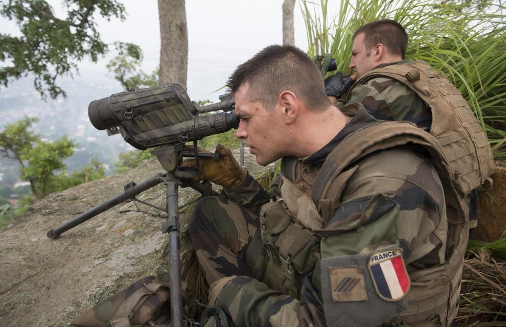 Иностранный легион: Франция двинула к России танки