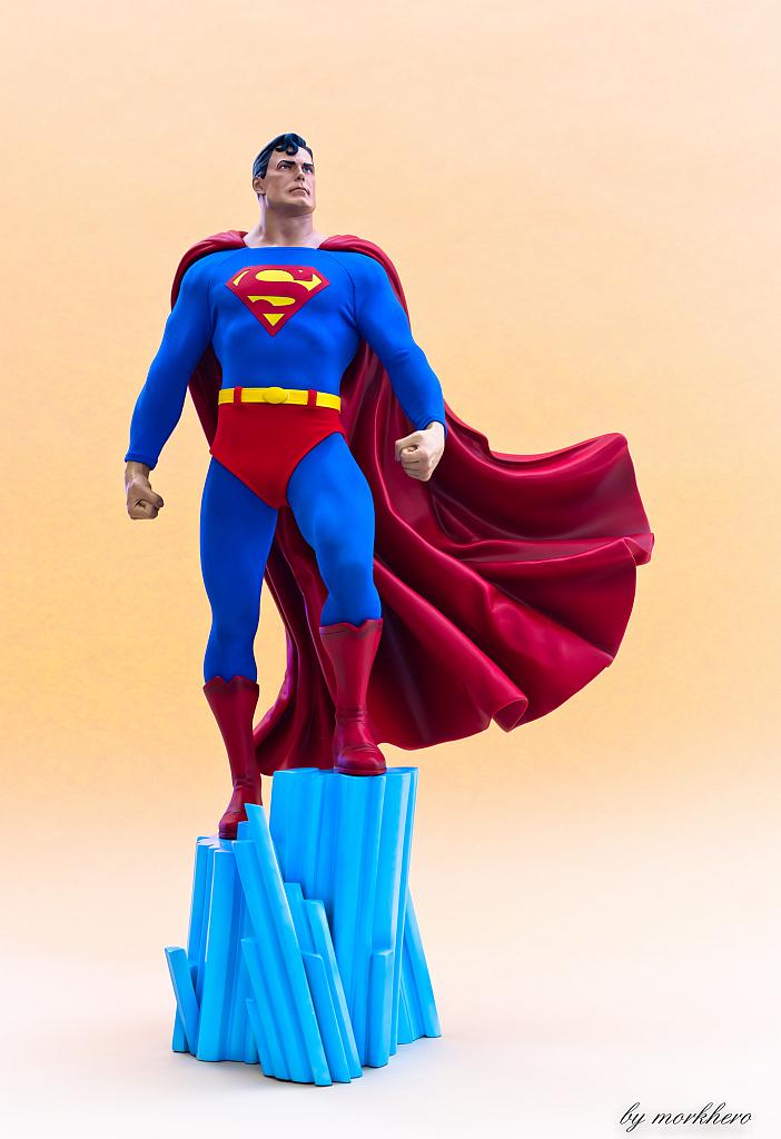 [Bild: superman-pf-sideshow-bqkhr.jpg]