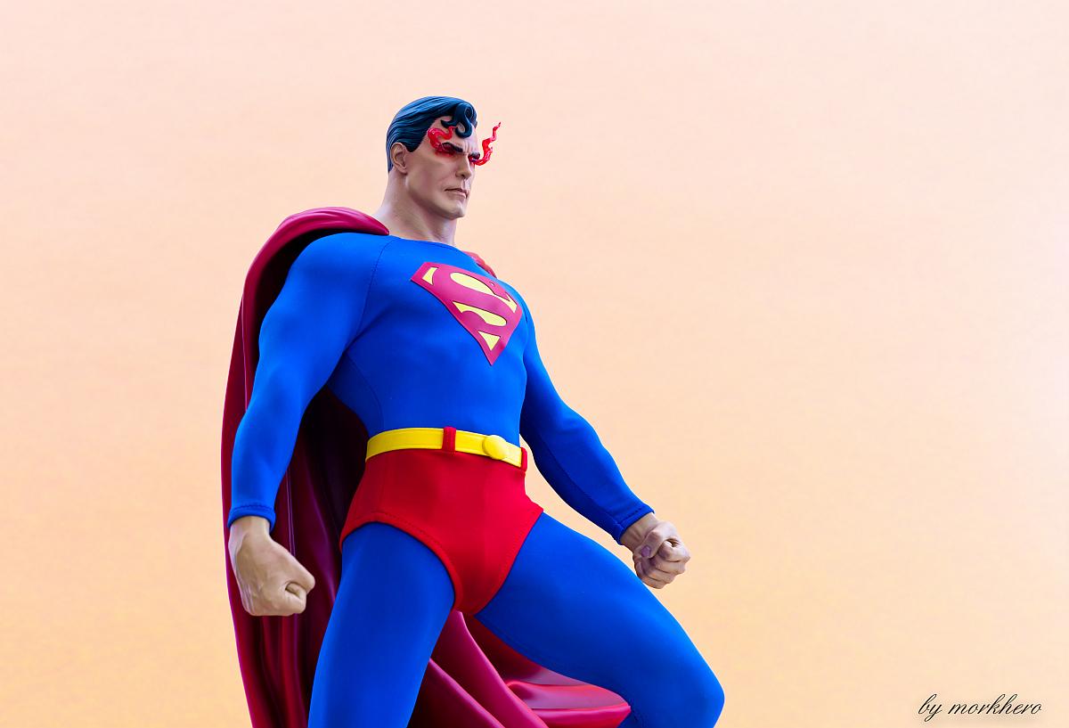 [Bild: superman-pf-sideshow-g5ko0.jpg]