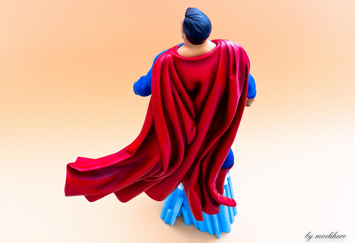 [Bild: superman-pf-sideshow-lwkf4.jpg]