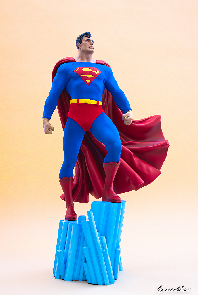 [Bild: superman-pf-sideshow-orixy.jpg]