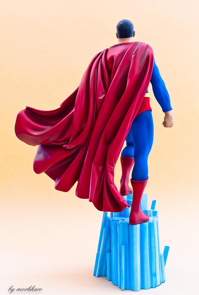 [Bild: superman-pf-sideshow-pijyt.jpg]