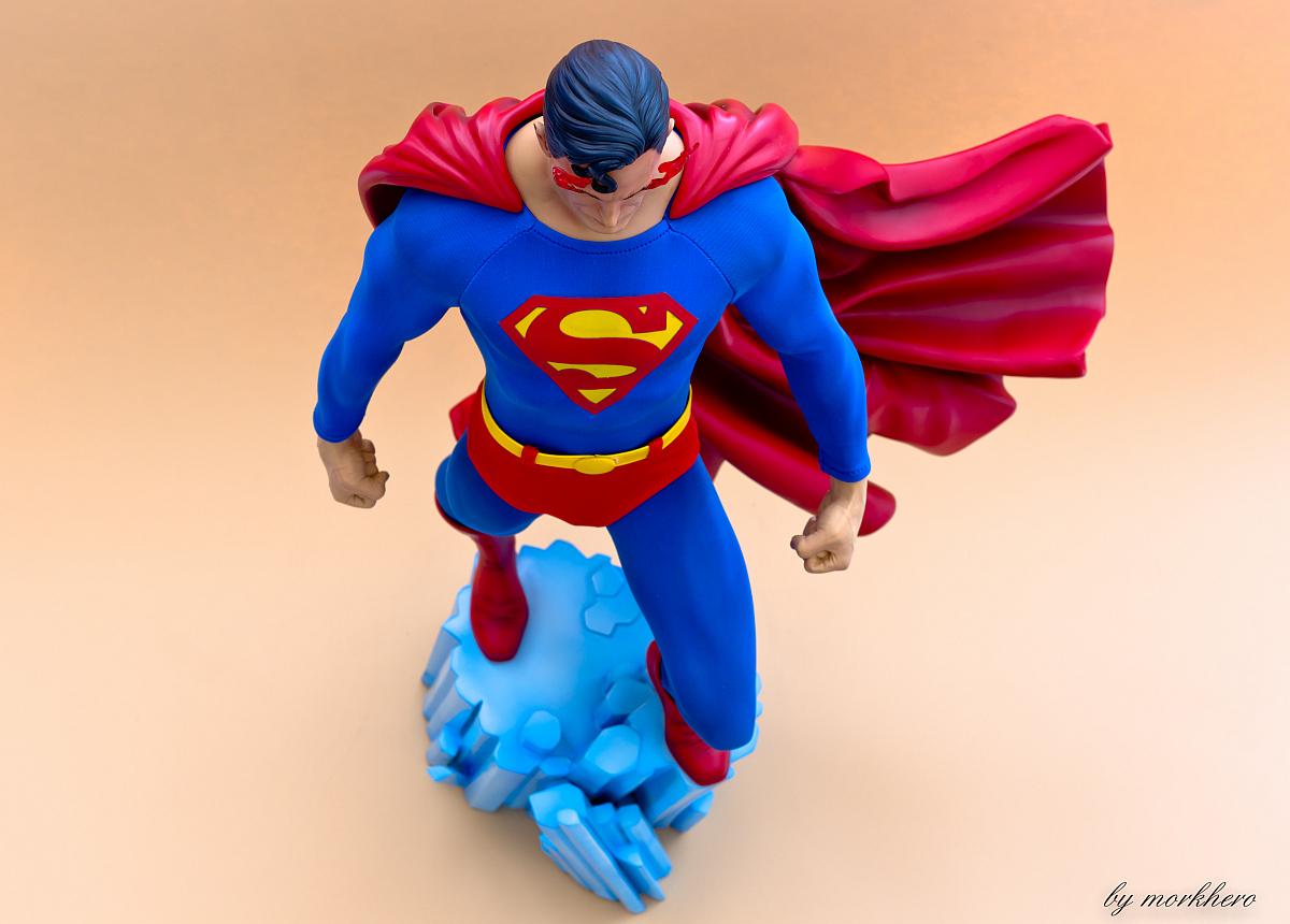 [Bild: superman-pf-sideshow-ssjdl.jpg]