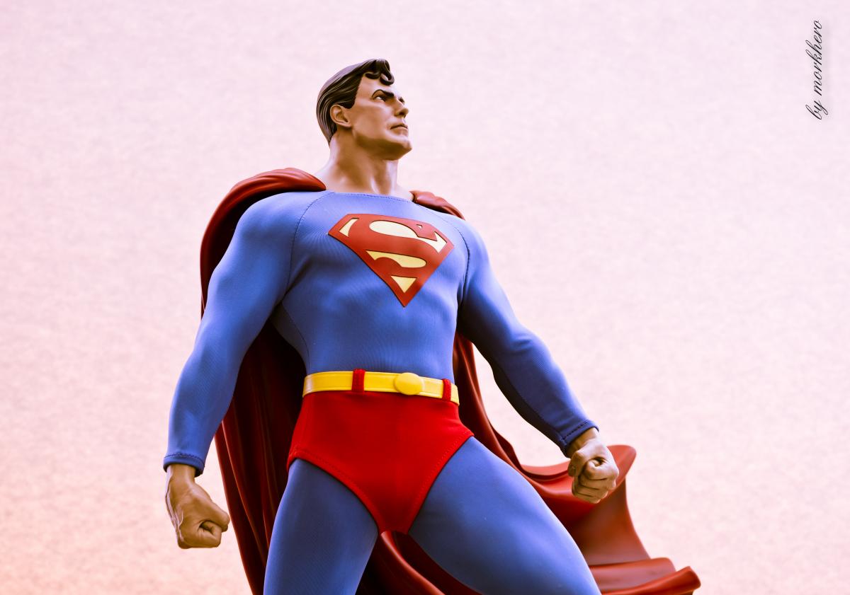 [Bild: superman-pf-sideshow-vnknj.jpg]