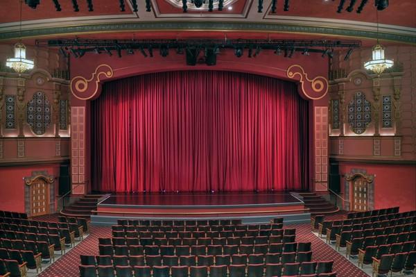 theatre-palyuvkai.jpg