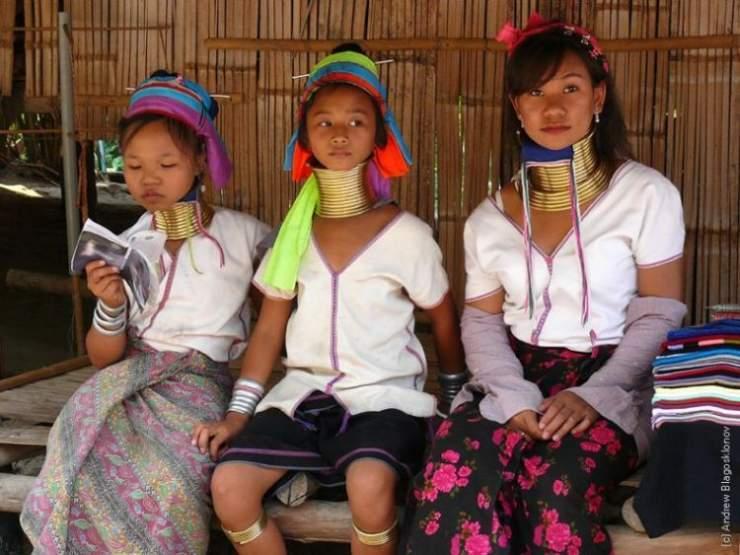 Długie szyje kobiet z plemienia Padaung 12