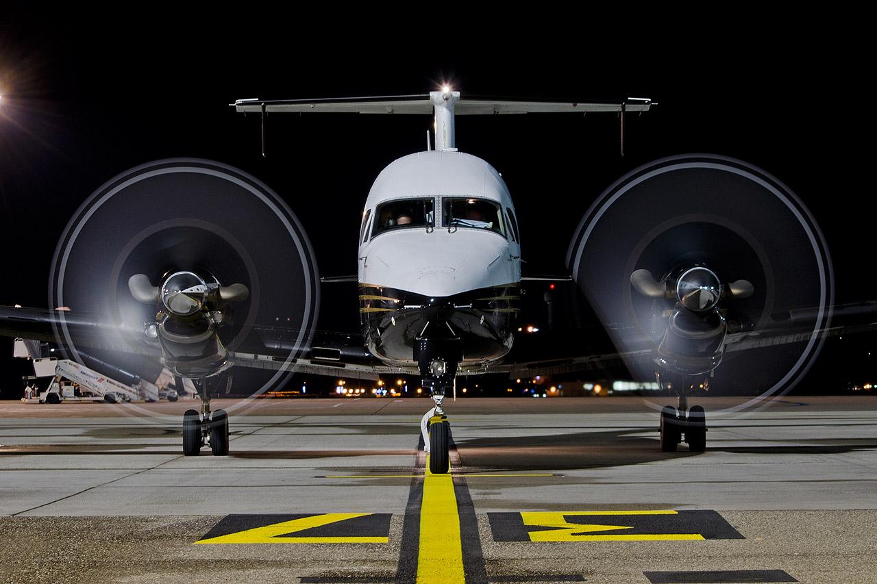 Calendrier de l'Avent 2014 pour spotter Twinjet_headon_1280h8diw