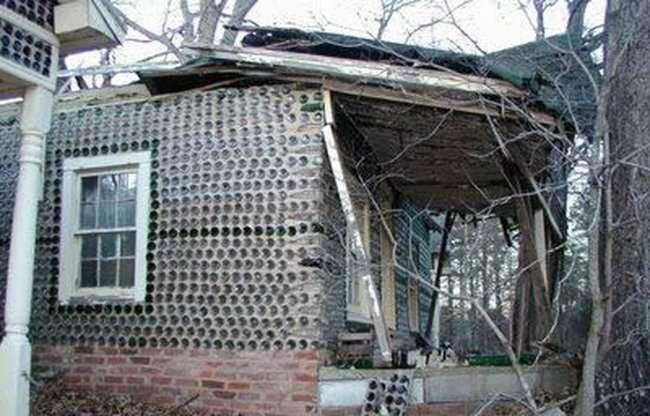 Dom zbudowany z butelek 4