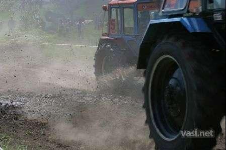 Wyścigi traktorów 11