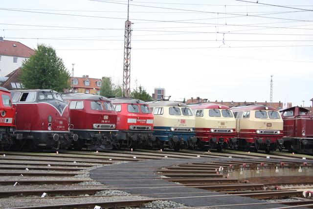 V200 116 + 218 387-9 +225 021-5 + 217 014-0 + 218 105-5 + 217 001-7 BW Osnabrück