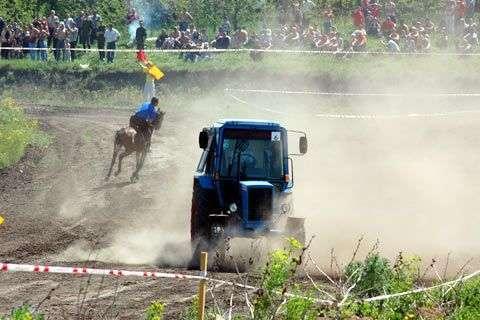 Wyścigi traktorów 15