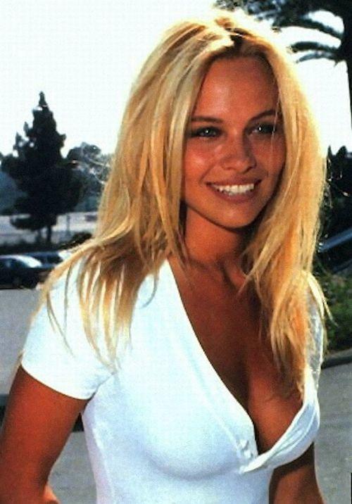 Młoda Pamela Anderson 32