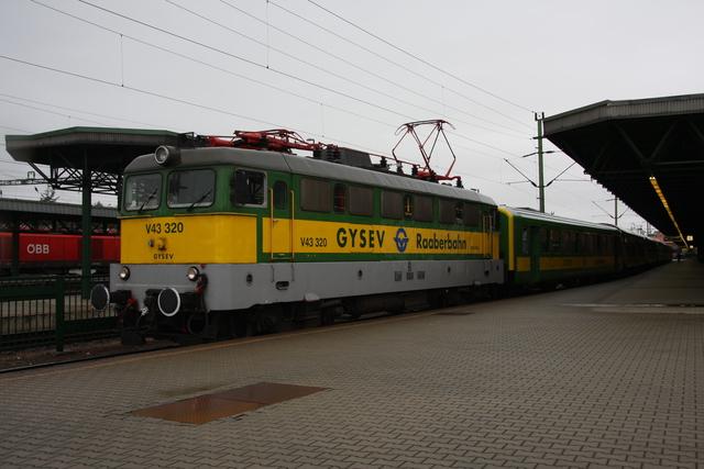 V43 320 Sopron