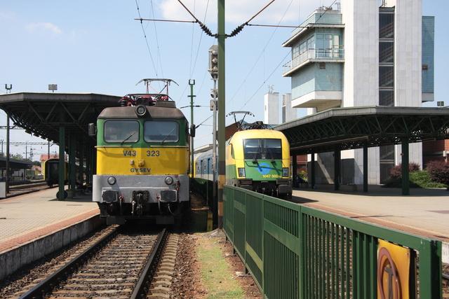 V43 323 + 1047 502-8 Sopron