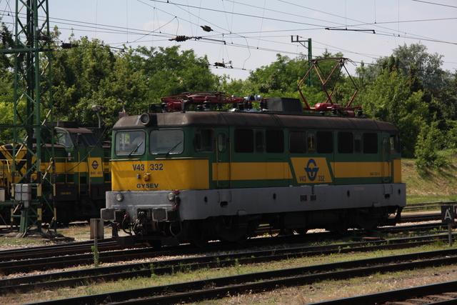 V43 332 Sopron