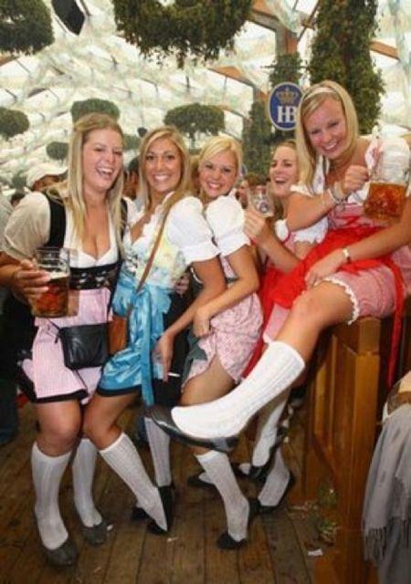 Dziewczyny z Oktoberfest 15