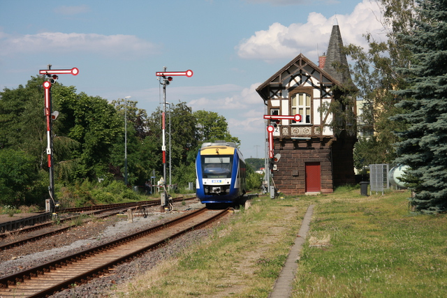 VT 807 95 80 0648 285-4 D-HEX HEX 80150 Einfahrt Thale Hbf