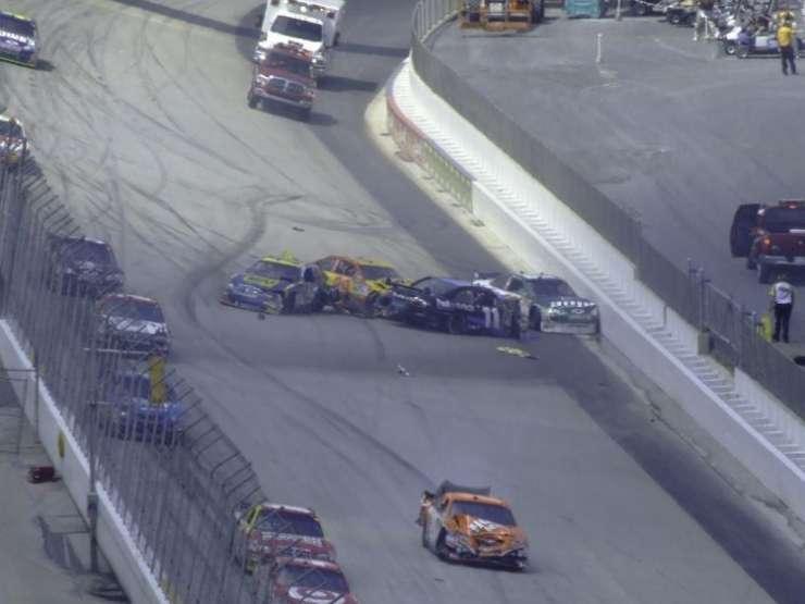 Wypadki w NASCAR 16