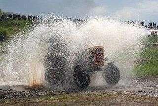 Wyścigi traktorów 12