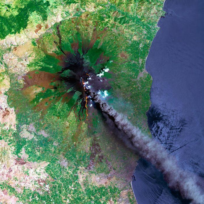 Ziemia z lotu ptaka: wulkany 15
