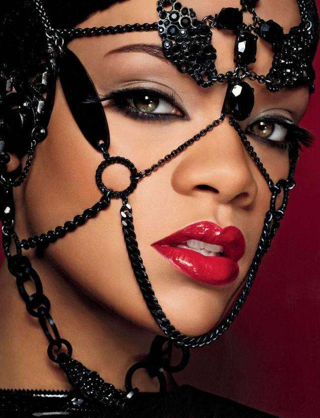 Rihanna 62