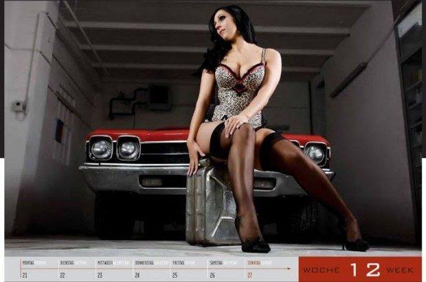 Dziewczyny i legendarne auta USA w jednym kalendarzu :) 8