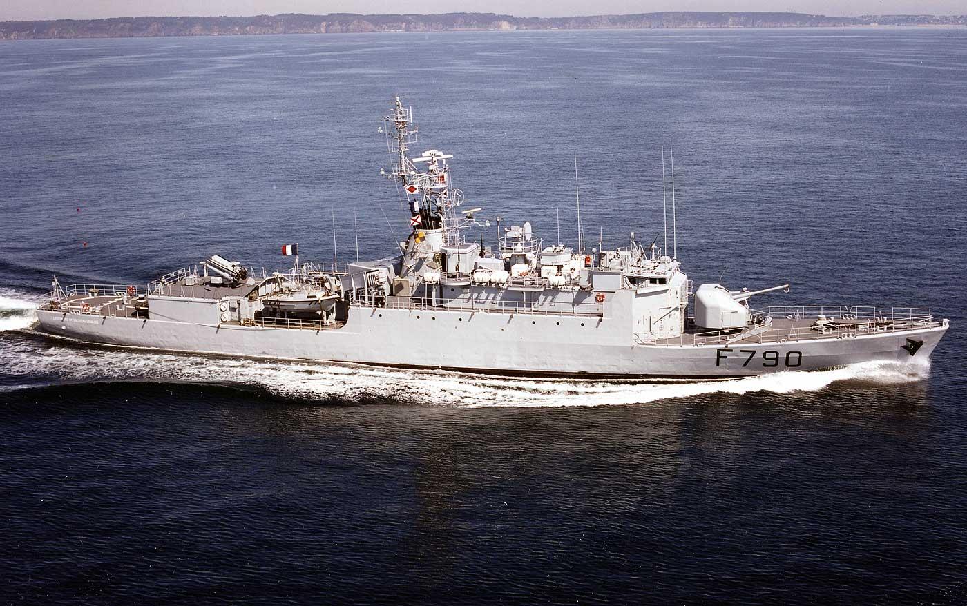 """Aviso A 69 """"Classe d'Estienne d'Orves"""" F790 Lieutenant de vaisseau Lavallée / Propre construction 1: 01-lieutnant-de-v..07kcv"""