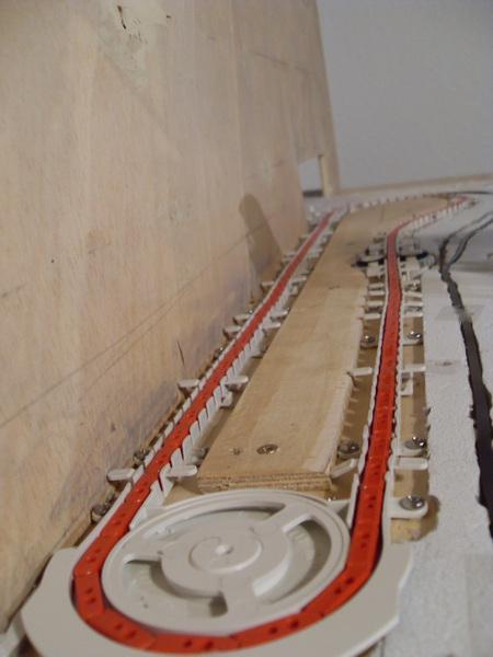 Modellbahn hintergrund montieren