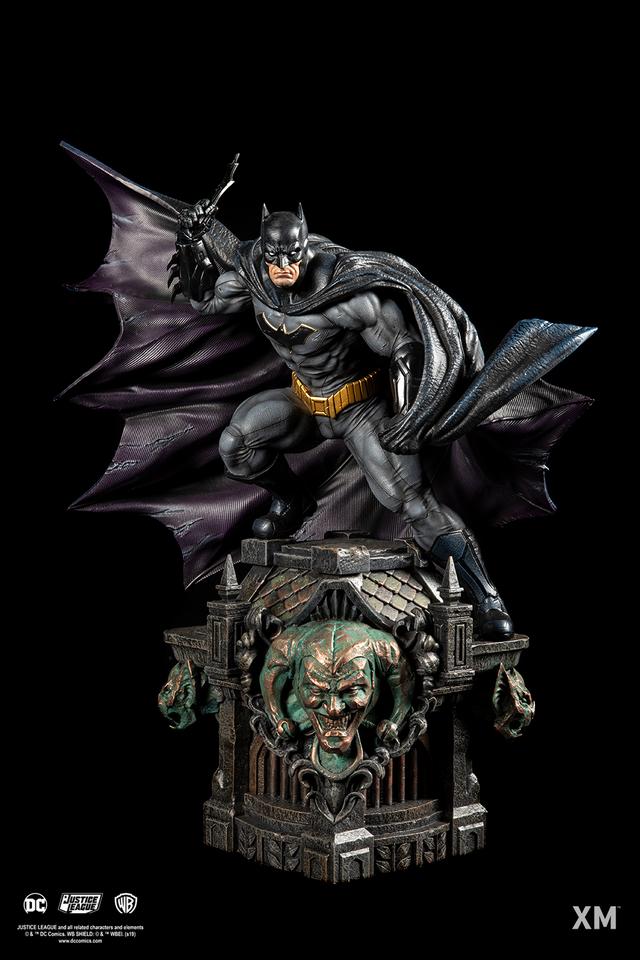 Premium Collectibles : JLA Batman 1/6**   019fjir