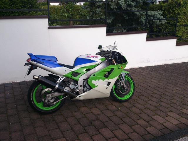 Leichtgewicht Kawasaki Zxr 400 Vom Strassen Zum Rennumbau