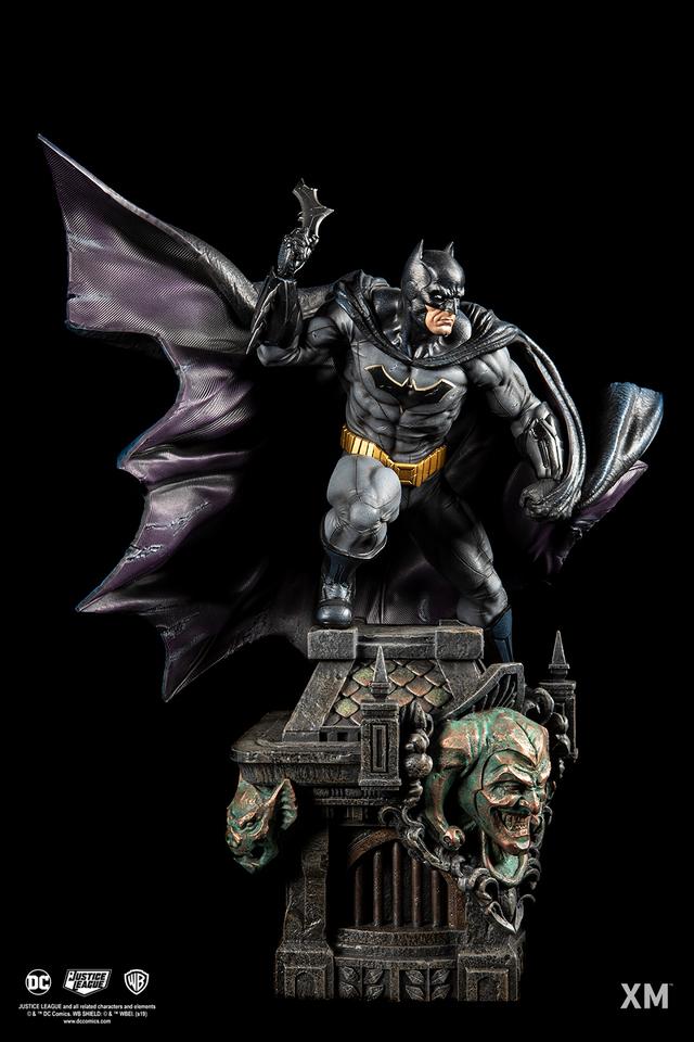 Premium Collectibles : JLA Batman 1/6**   02wyjqy