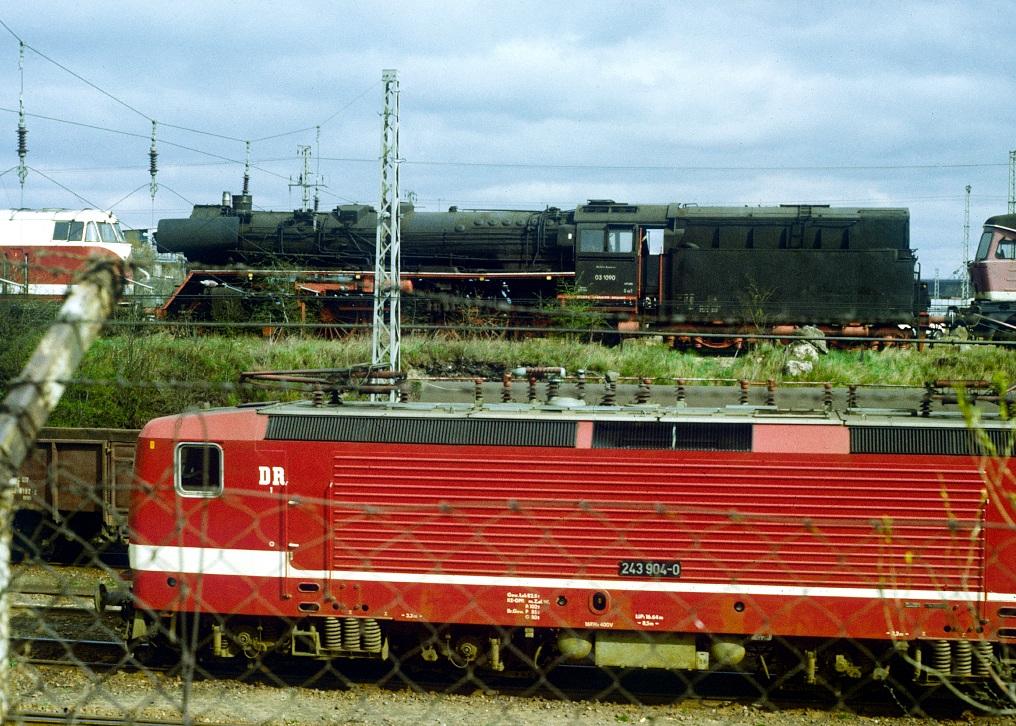 https://abload.de/img/030090bwstralsund19905fotu.jpg
