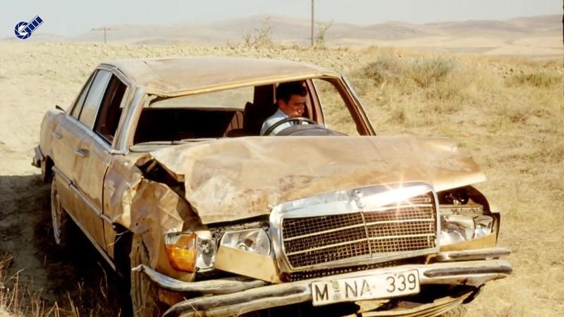 Fikrimin İnce Gülü Sarı Mercedes indir 1080p Ekran Görüntüsü 2